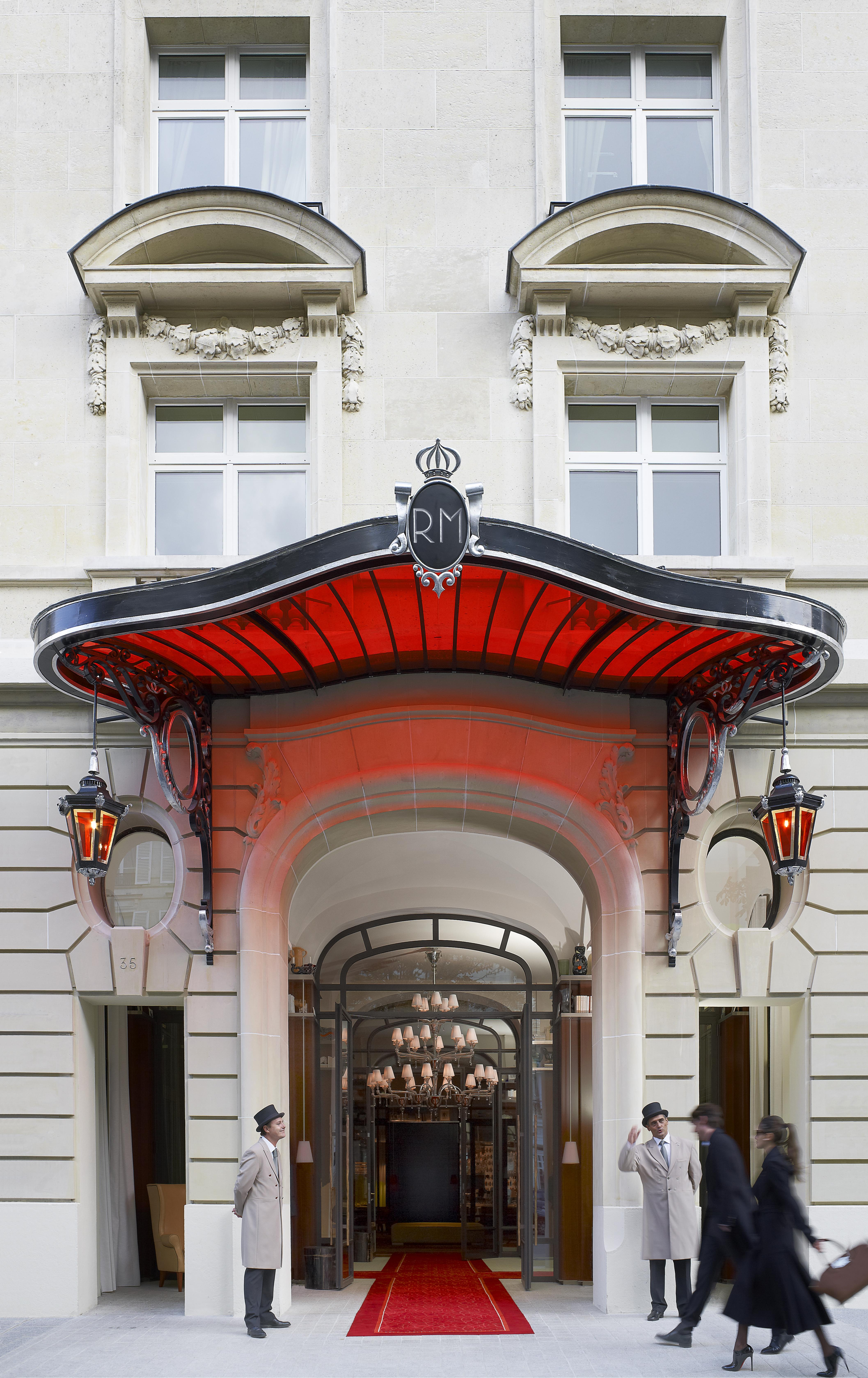 An arty hotel from floor to ceiling  : The Royal Monceau-Raffles